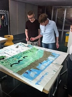 """Kaisersonntag in """"Leichter Sprache"""": Impressionen aus der Werkstatt (Foto: Karin Rottmann, Museumsdienst Köln)"""