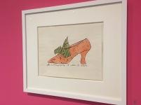 """Die """"Blotted_Line"""" Technik die Warhol in seinen Werbegrafiken und in den Gestaltungnen der frühen Coverentwürfen nutzte."""